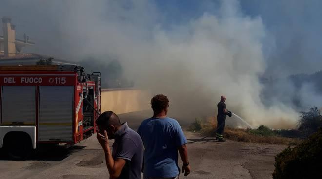 Ardea_Incendio Via Savuto_2019_07_24