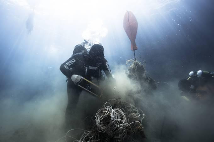 operazione reti fantasma secche di tor paterno guardia costiera