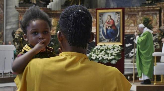 papa francesco messa migranti