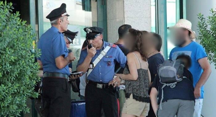controlli carabinieri aeroporto fiumicino