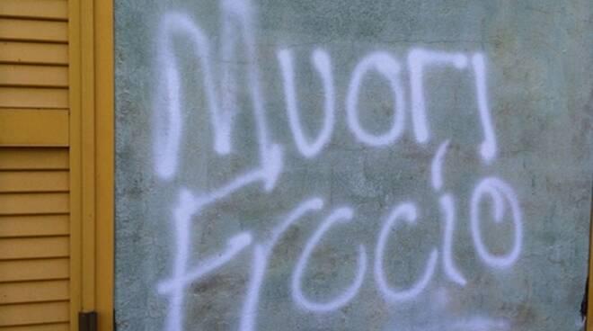 Attacchi omofobi a Penitro: quando la libertà d'amare chi si vuole è ancora una chimera