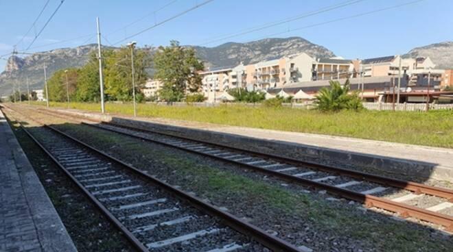 Binari nella tratta ferroviaria Terracina – La Fiora – Frasso: in via di ultimazione i lavori di pulizia
