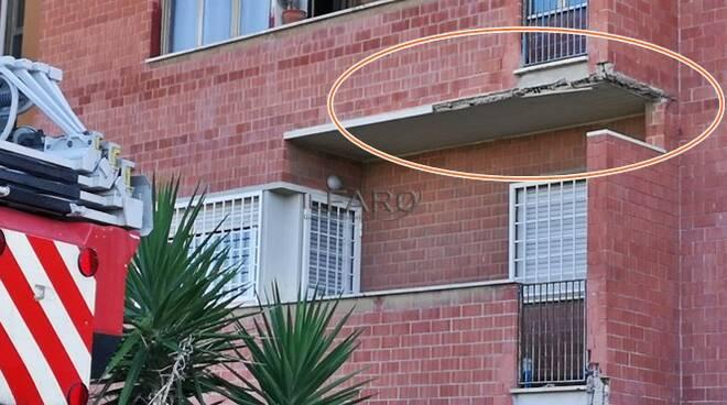 cornicioni case popolari via Tago Fiumicino