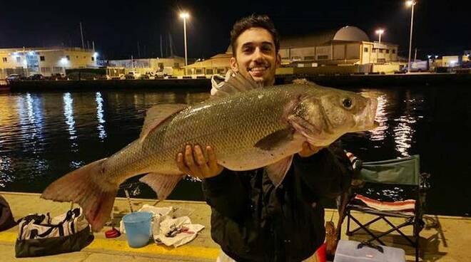 pesca spigola fiumicino
