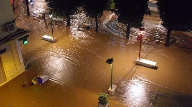 Bomba d'acqua a Formia, la città è di nuovo in ginocchio