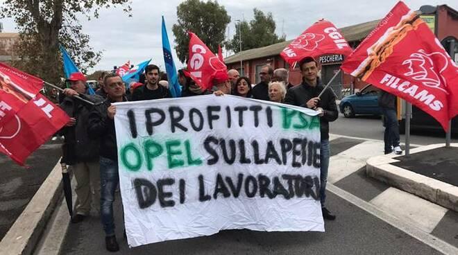 protesta lavoratori opel