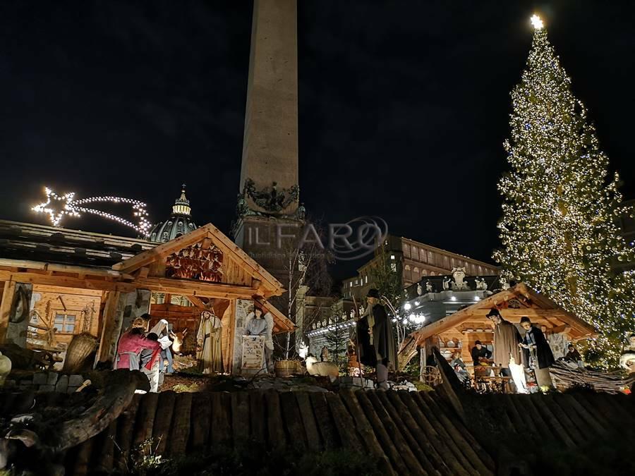 albero di natale presepe piazza san pietro natale 2019