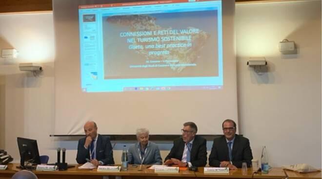 """Turismo sostenibile: il """"modello"""" Gaeta approda ad Ancona"""