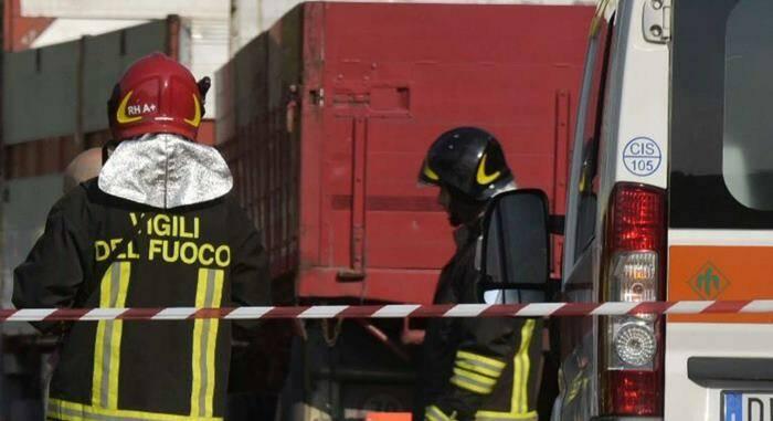 vigili del fuoco incidente ambulanza