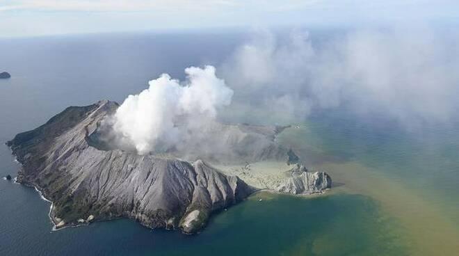 vulcano White Island