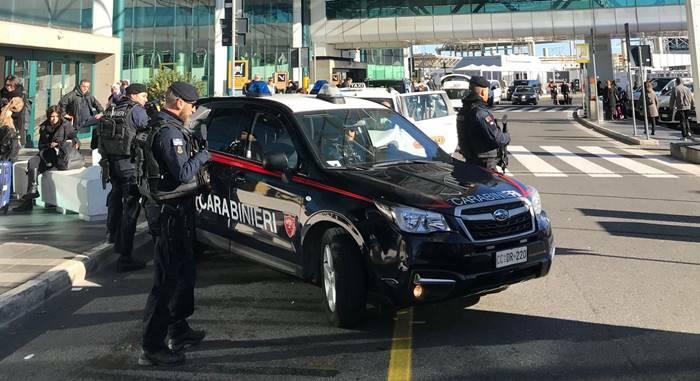 carabinieri aeroporto fiumicino