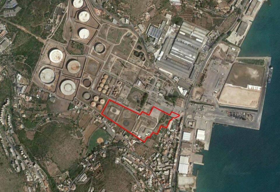 Golfo in fermento: il retroporto di Gaeta in vendita all'Eni