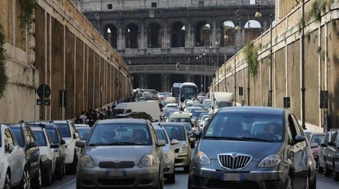 traffico roma smog