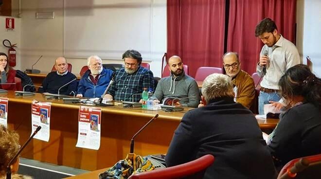 """""""Sotto padrone"""", a  Formia Marco Omizzolo racconta dall'interno caporalato e agromafie"""