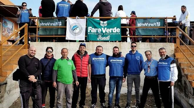 """Un esercito di volontari a Capratica: ecco il """"Mare d'inverno"""" di Fare verde Fondi"""