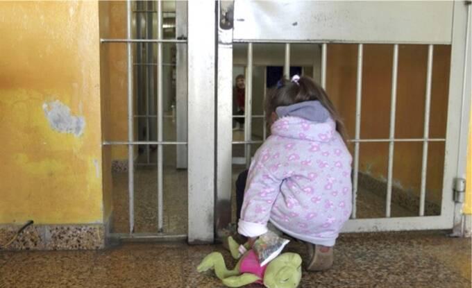 bambini in carcere