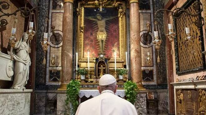 papa francesco via del corso coronavirus