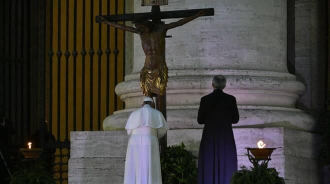 preghiera papa coronavirus urbi et orbi