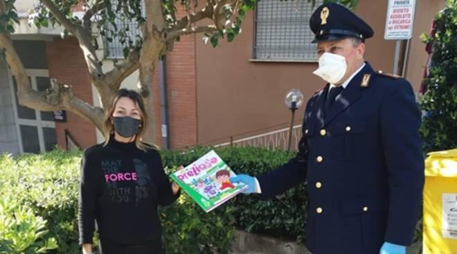 A Gaeta studenti senza testi scolastici: i Poliziotti glieli portano direttamente a casa