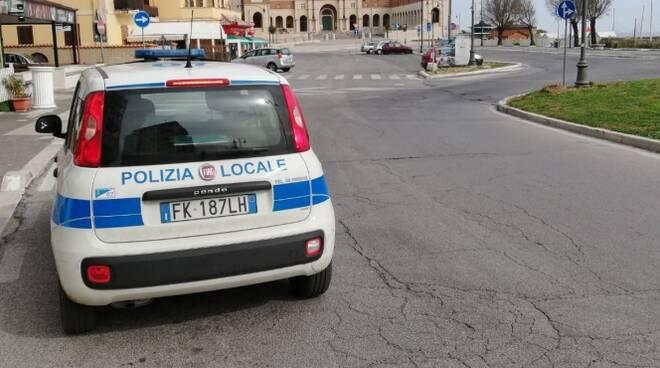 controlli coronavirus polizia locale nettuno