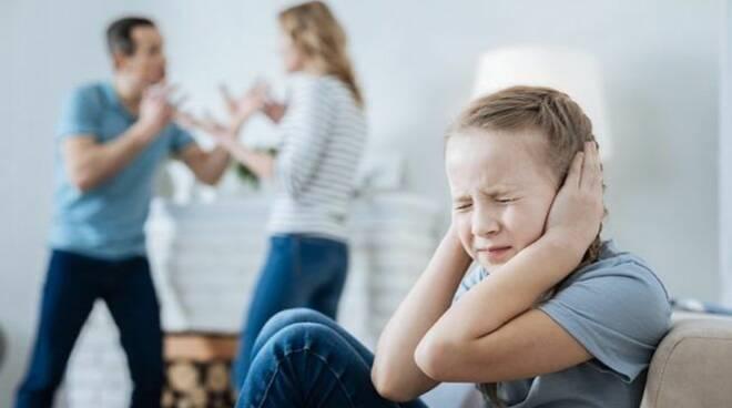 maltrattamenti infanzia