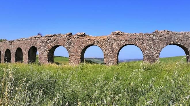 acquedotto delle arcatelle tarquinia