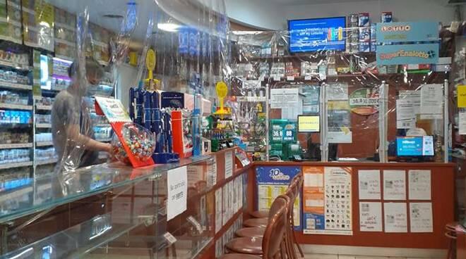 fase 2 tabacchi negozi