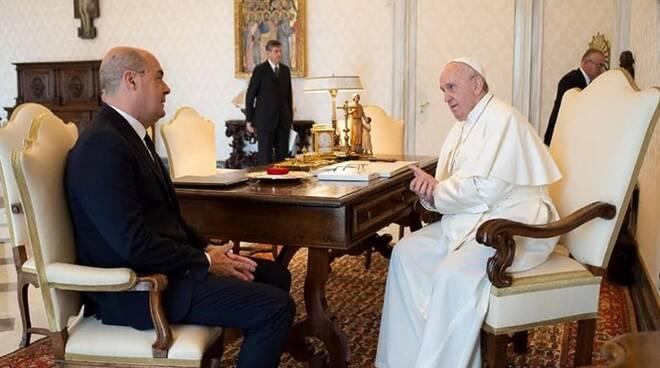 papa francesco incontra zingaretti
