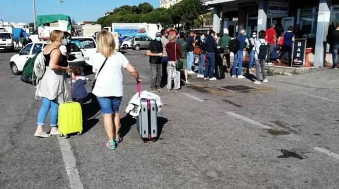 Ponza e Ventotene, biglietti online da vidimare come per Trenitalia: la soluzione per evitare assembramenti