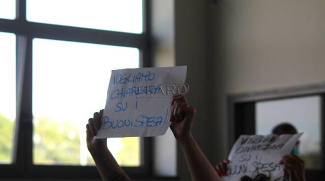Protesta Ardea buoni spesa