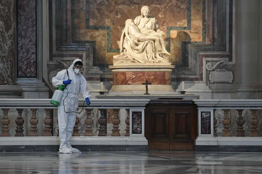 sanificazione coronavirus basilica papale san pietro in vaticano