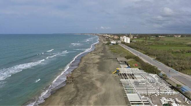 spiaggia latina