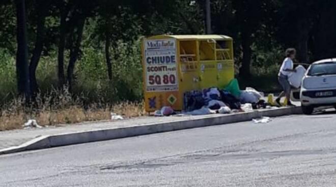 Cassonetto Raccolta abiti Ardea