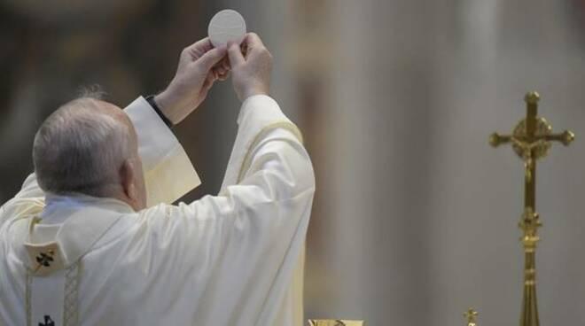 papa francesco messa corpus domini