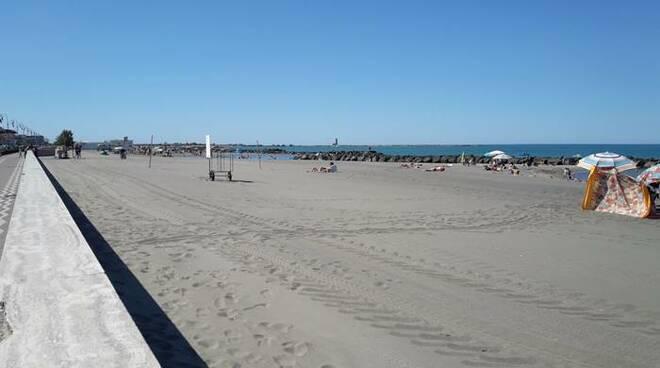 spiagge libere fiumicino