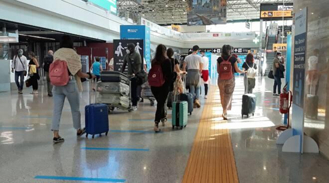 aeroporto fiumicino turisti