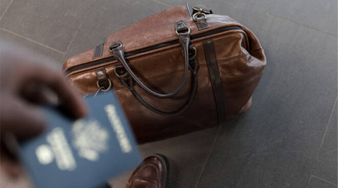 Bagaglio a mano, le regole da seguire per voli e aeroporti