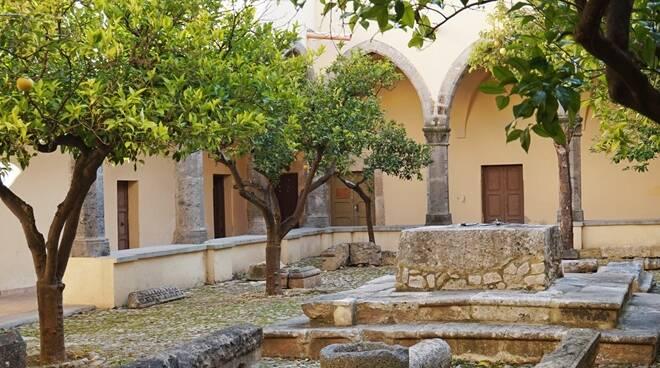 Fondi, celebrazioni religiose all'aperto per la parrocchia San Francesco d'Assisi