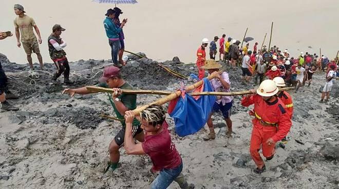 Tragedia in Myanmar, frana in una miniera di giada: oltre 100 ...