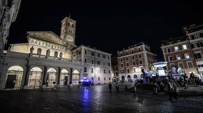 nuova illuminazione artistica basilica di santa maria in trastevere