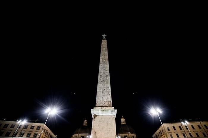 nuova illuminazione artistica piazza del popolo roma
