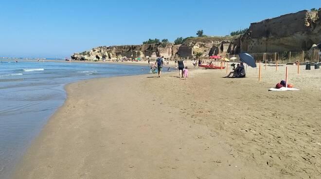 spiaggia di nerone