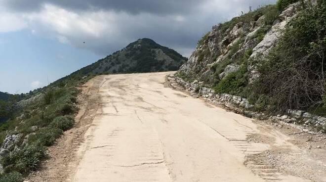 strada sterrata monte redentore formia