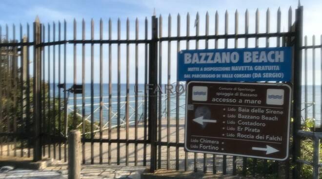 """Tensioni a Bazzano, Sperlonga cambia: """"Subito un'ordinanza per garantire a tutti l'accesso al mare"""""""