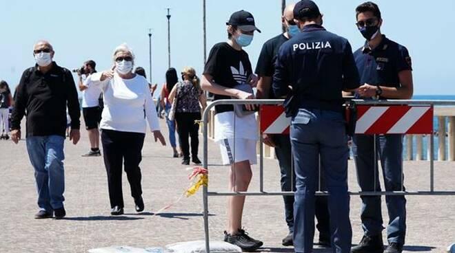 controlli polizia di stato coronavirus