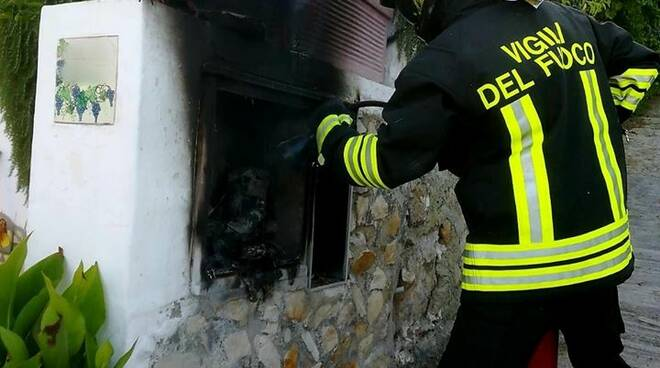 Paura a Ponza: incendio a un quadro elettrico