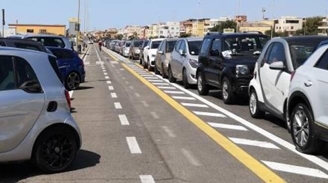 auto pista ciclabile ostia