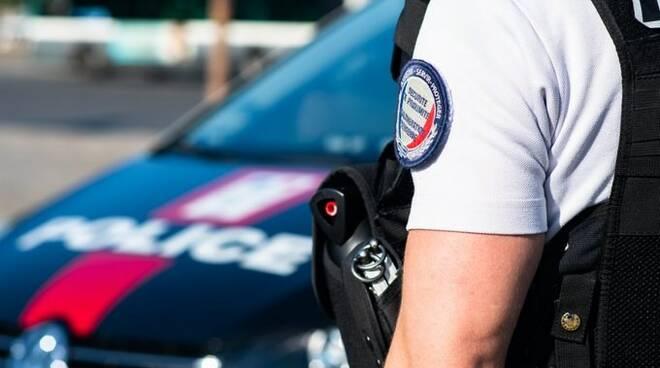 polizia parigi polizia francia