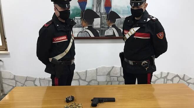 Carabinieri Pomezia - arma clandestina