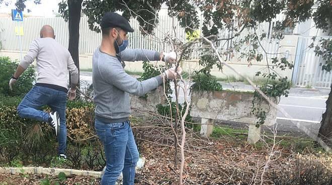 circolo fdi patria libertà pulisce giardino pasquino fiumicino